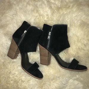 Dolce Vita Black Block Heeled Sandals - Size 6